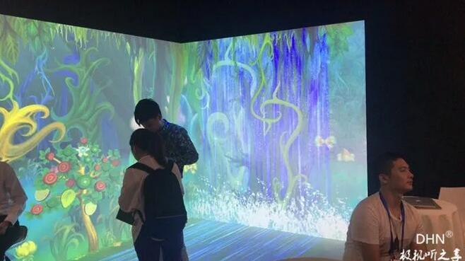"""半年内两次亮相IFC展 上海迪东要用""""精彩应用""""搅局投影市场-视听圈"""