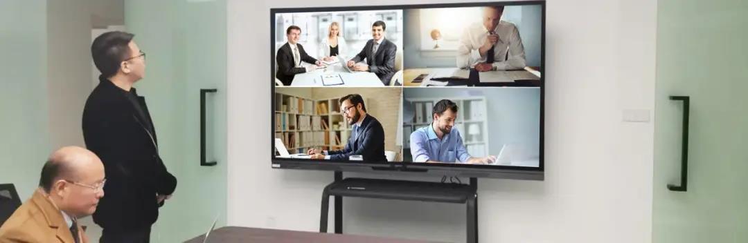 墙上的电视  描述已自动生成